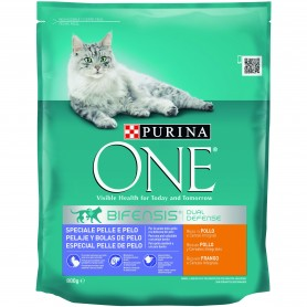 Pienso para gatos Purina One Gato Pelaje & Bolas de Pelo rico en Pollo y Cereales Integrales